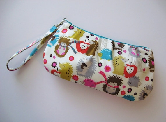 Zip and Go HEDGHOG WRISTLET