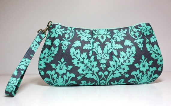 Sweet Pea Zip and Go Wristlet / Gray and Teal / Zipper Closure