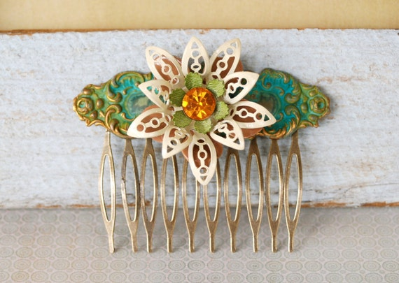 Bohemian daisy no.2. vintage enamel flower comb. Tiedupmemories