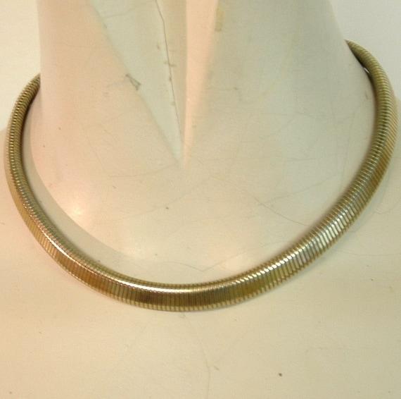 metal choker necklace vintage silvery goldy slithery
