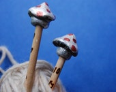 Silver Mushroom Knitting Needles size 11