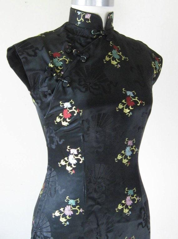 Black Silk Dress / Gown / Vintage Cheongsam / Stunning / Sm