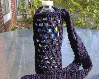 Crochet water bottle holder, crochet bottle carrier - navy blue