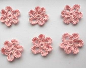 Crochet flower - in light pink - 6 petals loopy flower crochet appliqué