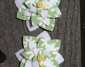 Daisy Set of 2 Fabric Felt Appliques Flowers for Hair Clips or Scrapbooking 3 inch size