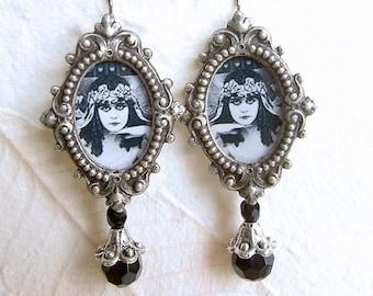 Theda Bara Earrings - Silent Vamp Series