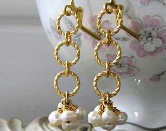 ELLI Regency Romance White Pearls on Golden Rings Earrings