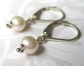Earrings - WHITE Fresh Water Pearl