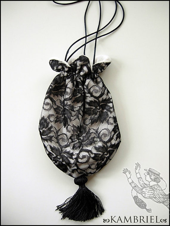 Lace & Velvet - Evil Garden Gorey Bag by Kambriel