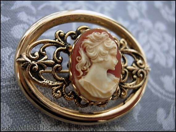 Vintage Filigree Brooch with Cameo