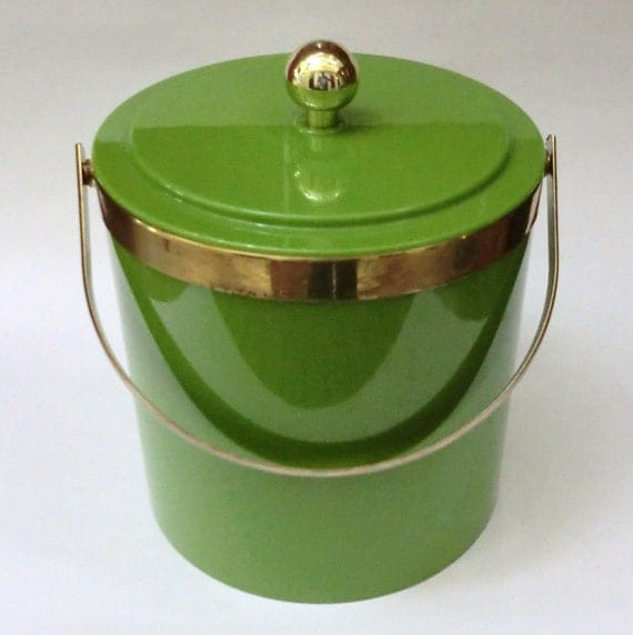 Vintage Bright Green Mod Plastic Ice Bucket