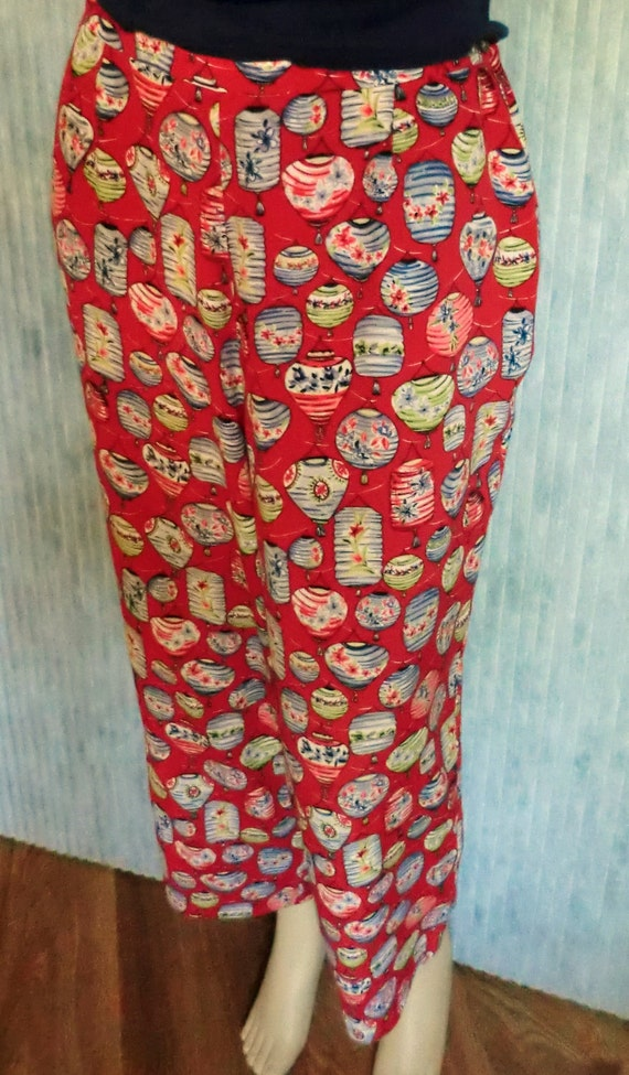 VINTAGE Japanese Lantern Novelty Print Capri PANTS