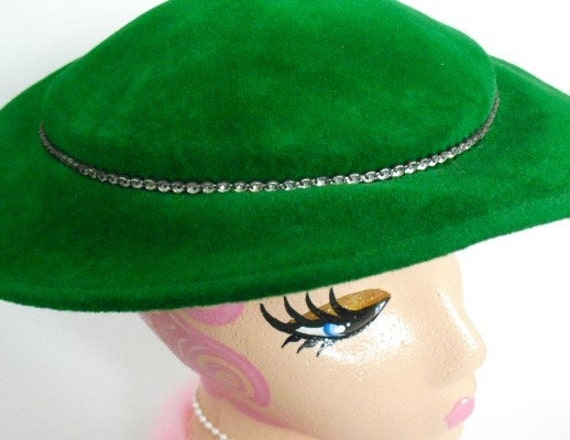 VINTAGE Bright Green Velour Picture HAT