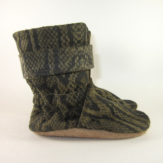 Baby Boots Shoes Soft Sole Snake Print Leather 12 to 18 Month