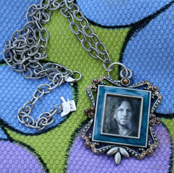 Eddie Vedder locket