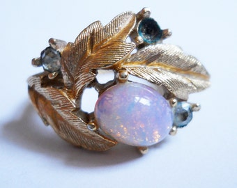 Gold Leaves and Opal Rhinestone Ring Vintage Avon