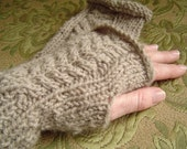 cute no-stitch wrist warmers with cable pattern