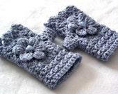 Crochet fingerless gloves with flower, silver blue