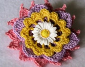 Fresh as a Daisy Flower Brooch, Crochet Thread Pin, FB152-01
