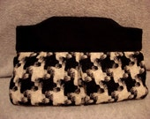 Large Houndstooth Wool Clutch
