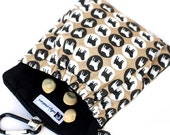 The Pocket 2.0 - Treat and Training Pouch in Pug Fabric