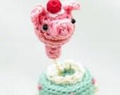 Miniature Amigurumi Pop-Out Cake Ring - Mint Cake & Strawberry Piggy  RG-11-3078