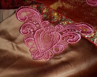 CA 16 Venise Embroidered Pomegranate Applique Bubblegum