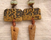 Etched earrings w\/ long wood finding