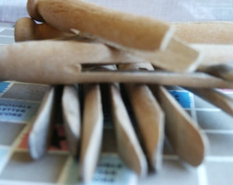 Vintage Clothes Pins- Set of 8