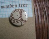 pretty eyes owl face pin button