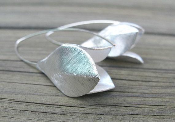 Minimalist --sterling silver earrings--