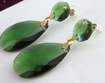 Large Emerald  Green Earrings - ANgelina Jolie Costume Earrings - Gold Plated - Large Green earrings - Hand cut prisms