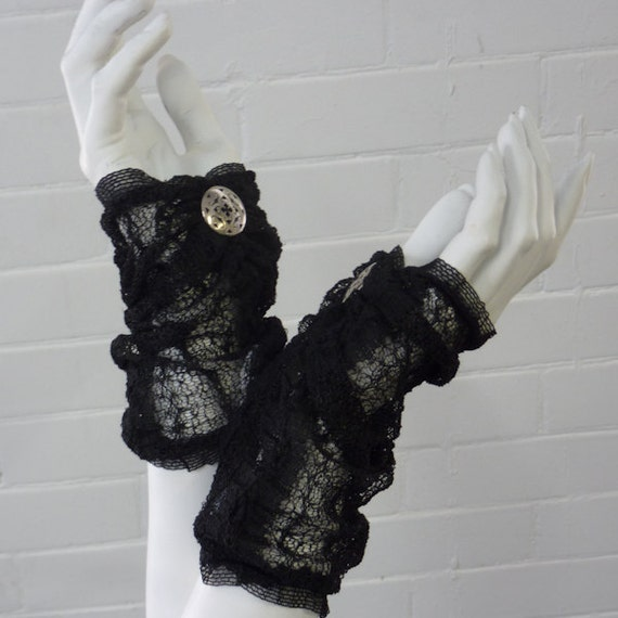 MOVING SALE  Black Short Lace Fingerless Gloves
