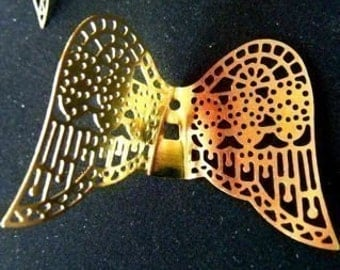 large angel wing filagree stamping charm zne brass gold colored  quantity two wing