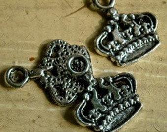 R3 Crown charm  tibetan silver metal quantity three measures 17mm  jewelry findings