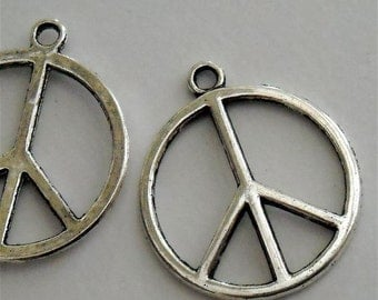 peace sign charm pendant   quantity 4     25 mm plus loop   jewelry supplies findings WV3