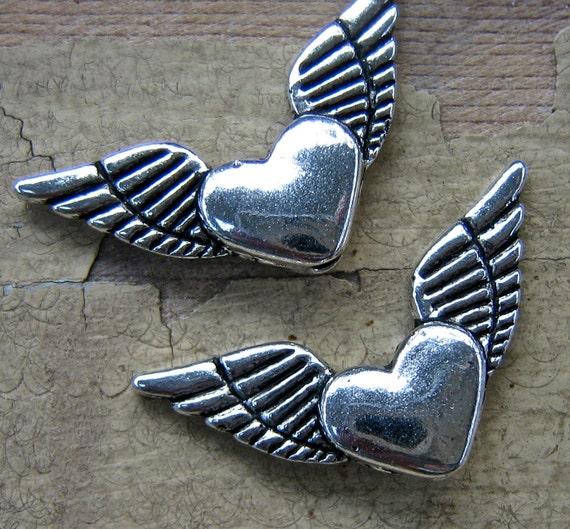 WINGS heart bead  quantity 4  cca12