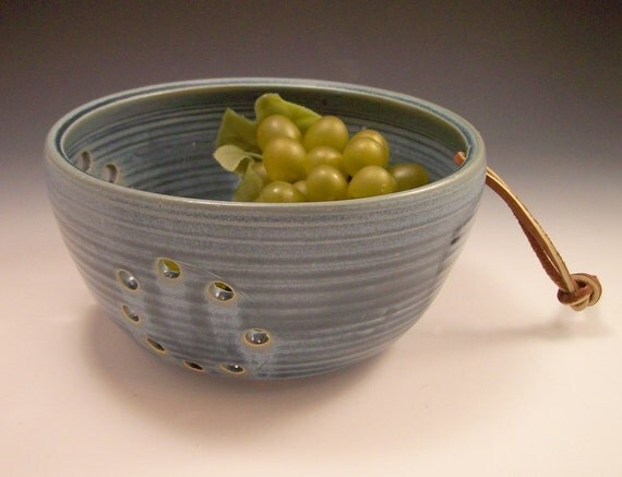 Pottery Berry Bowl in Slate Blue