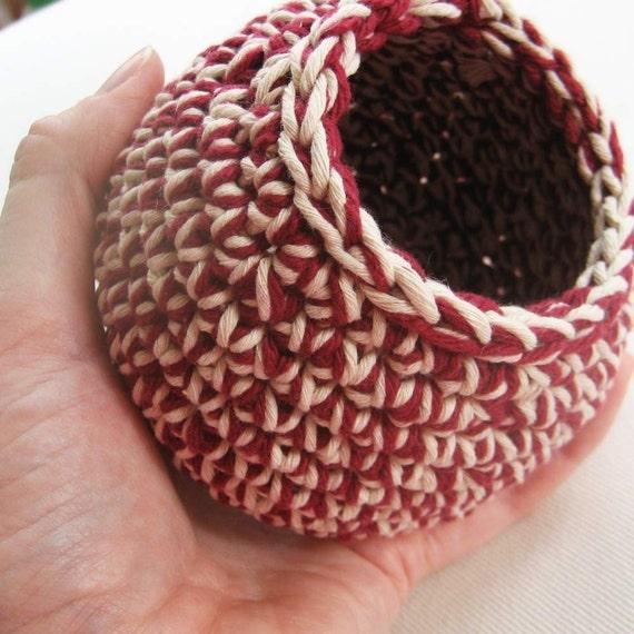 Handmade Hive Pot (cranberry string)