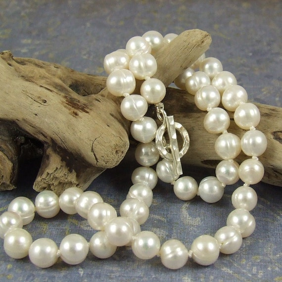 White pearl necklace, Real pearl necklace,  Classic strand of pearls, cultured  freshwater pearls,  hand-knotted on silk, pearl jewelry
