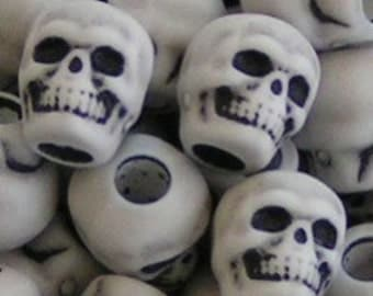 SKULLY BEADS SKULL Halloween Day of the Dead Goth Embellish Your Handspun Crafts Plastic