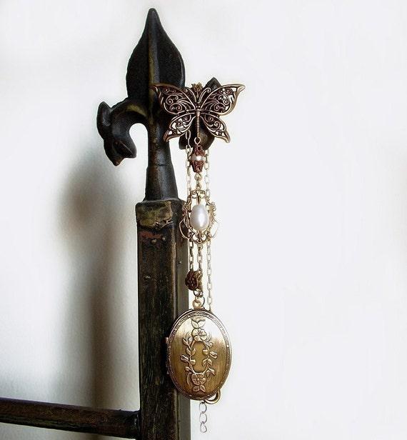 clothing gift vintage locket necklace antique gold locket
