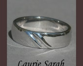 White Gold Man's Wedding Band With Wave Pattern - LS720