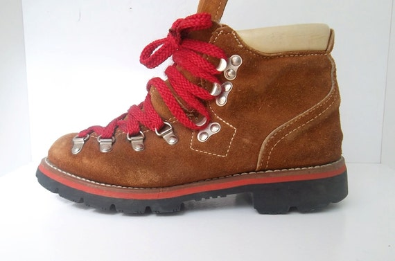 Vintage Mountaineering Hiking Boots womans 6.5 - 7