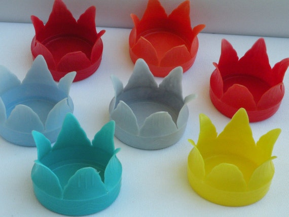 Plastic Retro Vintage Tulip Can Holders