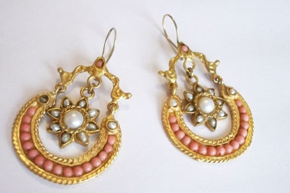 SALE  SALE  SALE----------Vintage Pearl and Coral earring