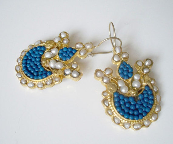 SALE  SALE  SALE--------Turquoise and Pearl Earring