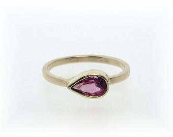 Pink Toumaline Ring in Gold