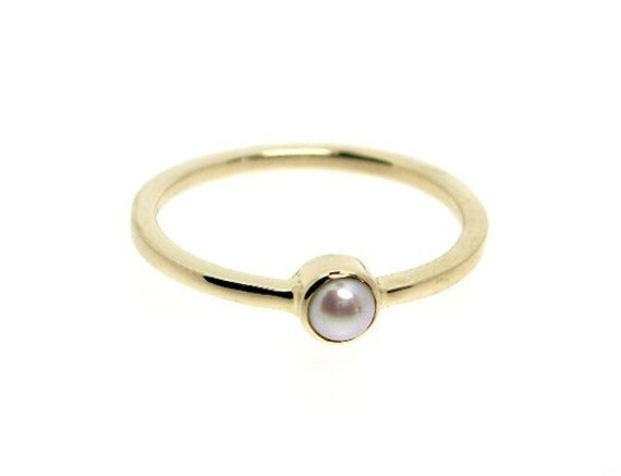 Pearl Ring in Gold