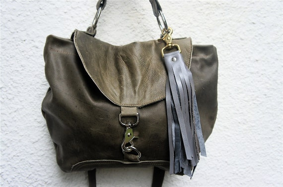 Classic in Military Green Leather with Handle and Clip on Messenger Strap